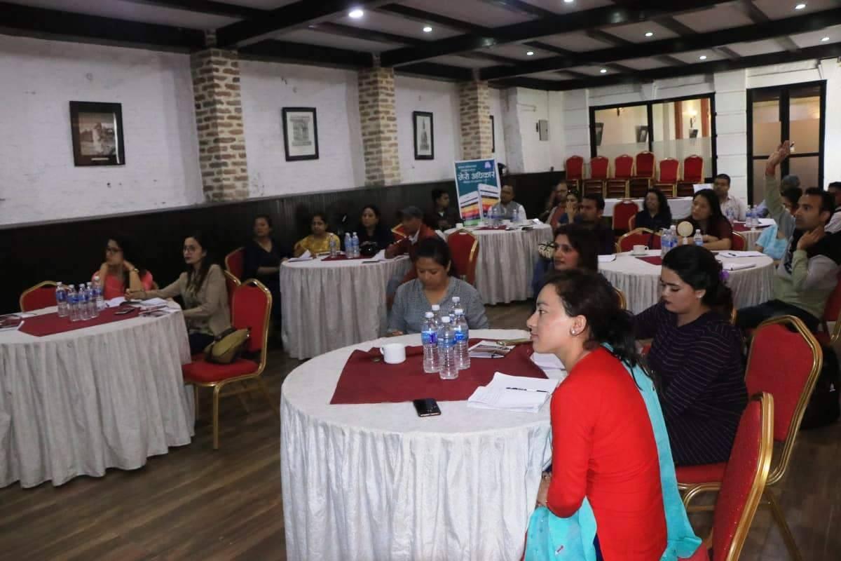 आधारभुत स्वास्थ्य सेवाबाट महिलाहरु वञ्चित: सरोकारवालाहरु चिन्तित (भिडियाे)