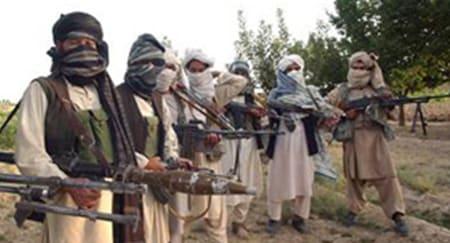बन्दुक बोकेर विद्यालय जान्छन् अफगान किशोर
